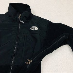 The North Face Jackets & Coats - The North Face Black Denali Fleece Sweater/ Jacket